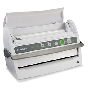 FoodSaver V3240 Vacuum Sealing System with Starter Kit-Review